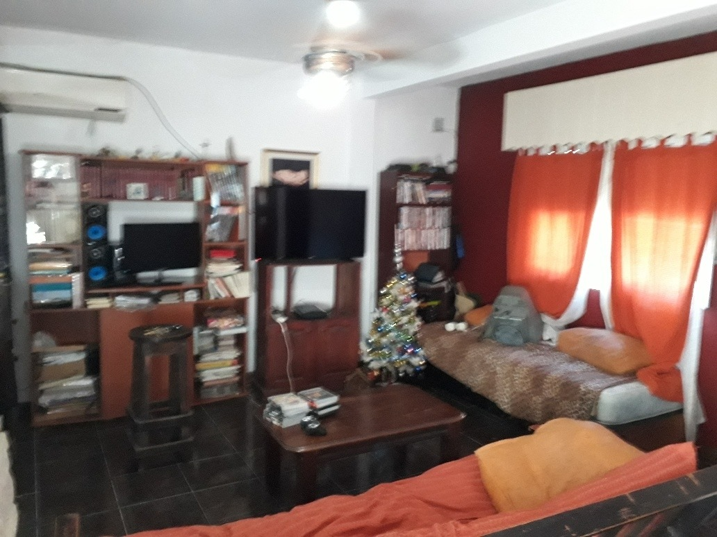 casa en monte grande con 3 dormitorios y cochera!!!