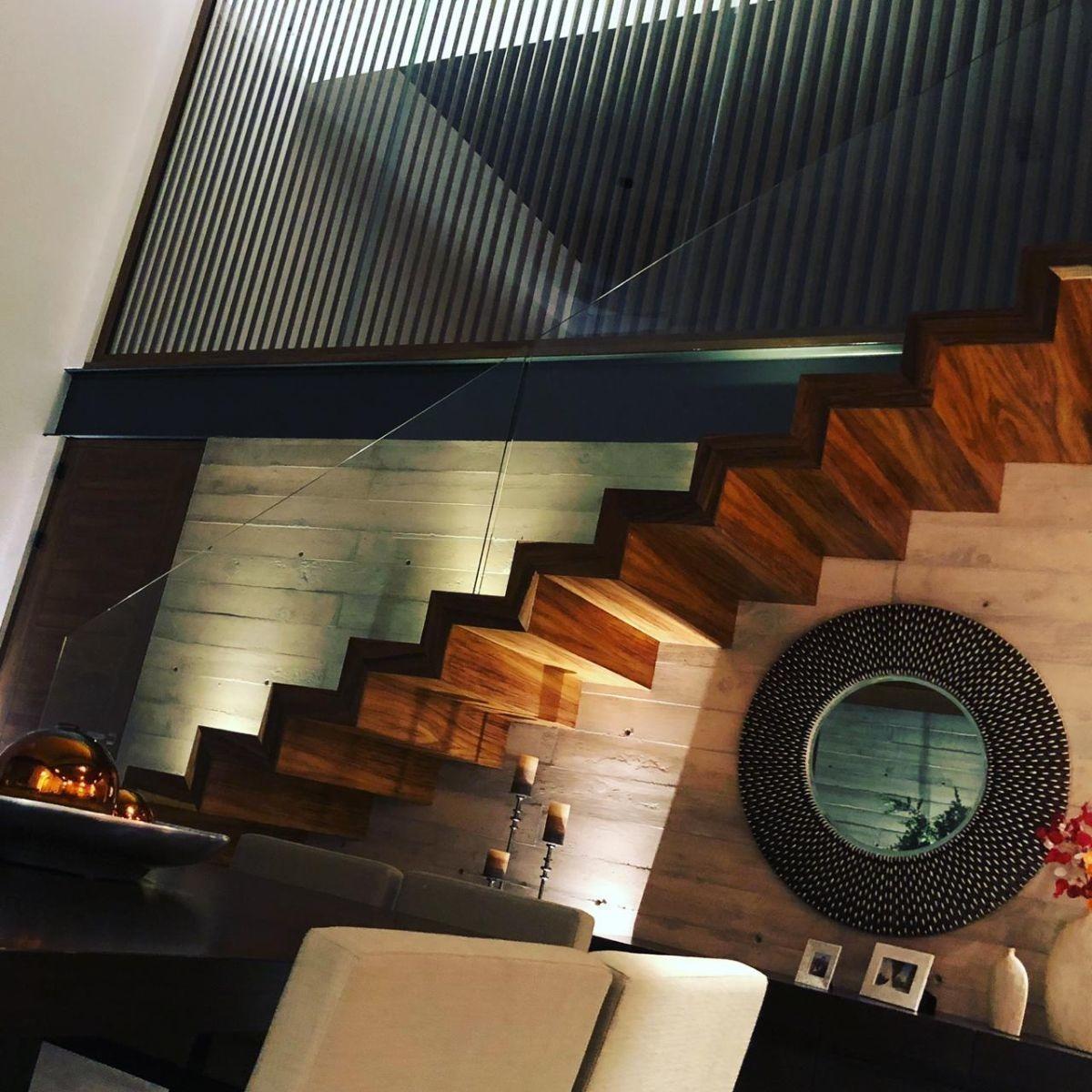 casa en monterra 2recs c/baño, estudio con terraza