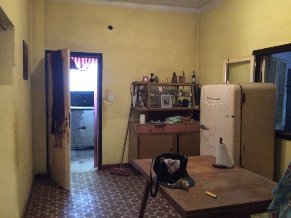 casa en moreno centro norte - a refaccionar - ideal comercio