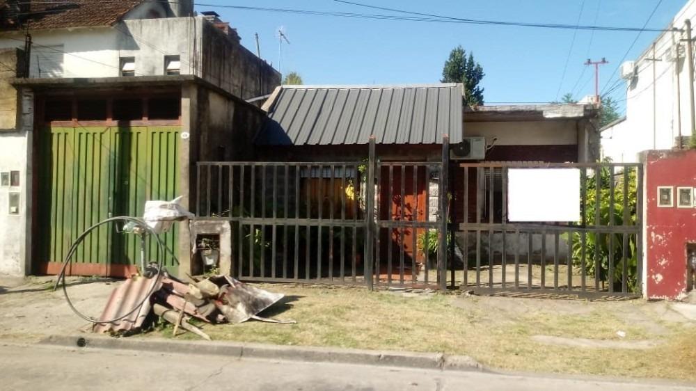 casa en moron sur cerca de avenida aguero