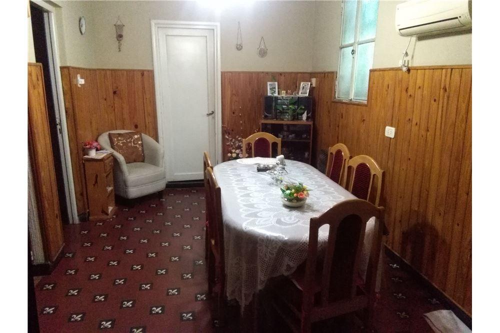 casa en pa, dos dormitorios con terraza  echesortu