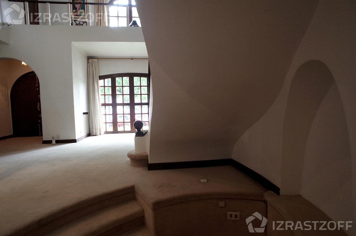 casa en palermo chico con anteproyecto para desarrollo de 1300 m2