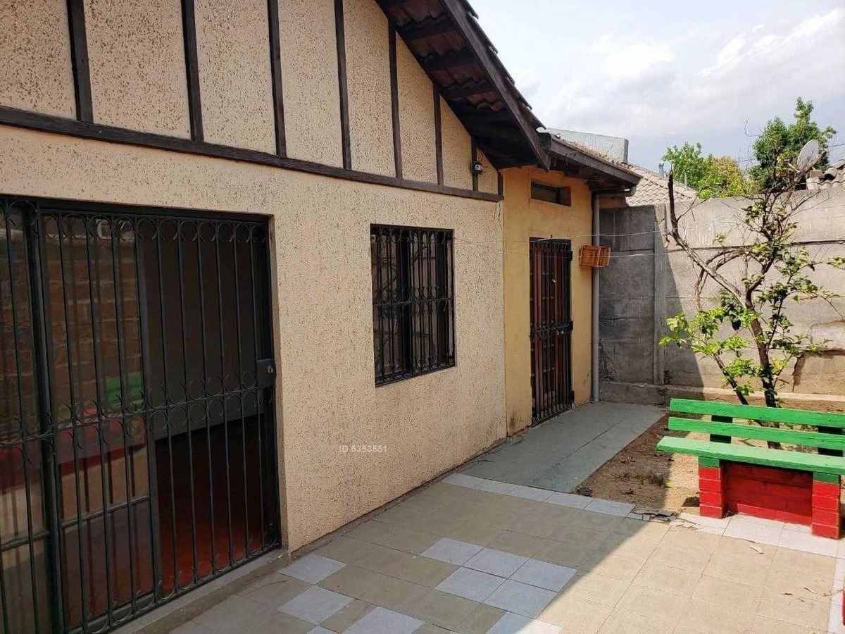 casa en pasaje rojas magallanes con alicahue