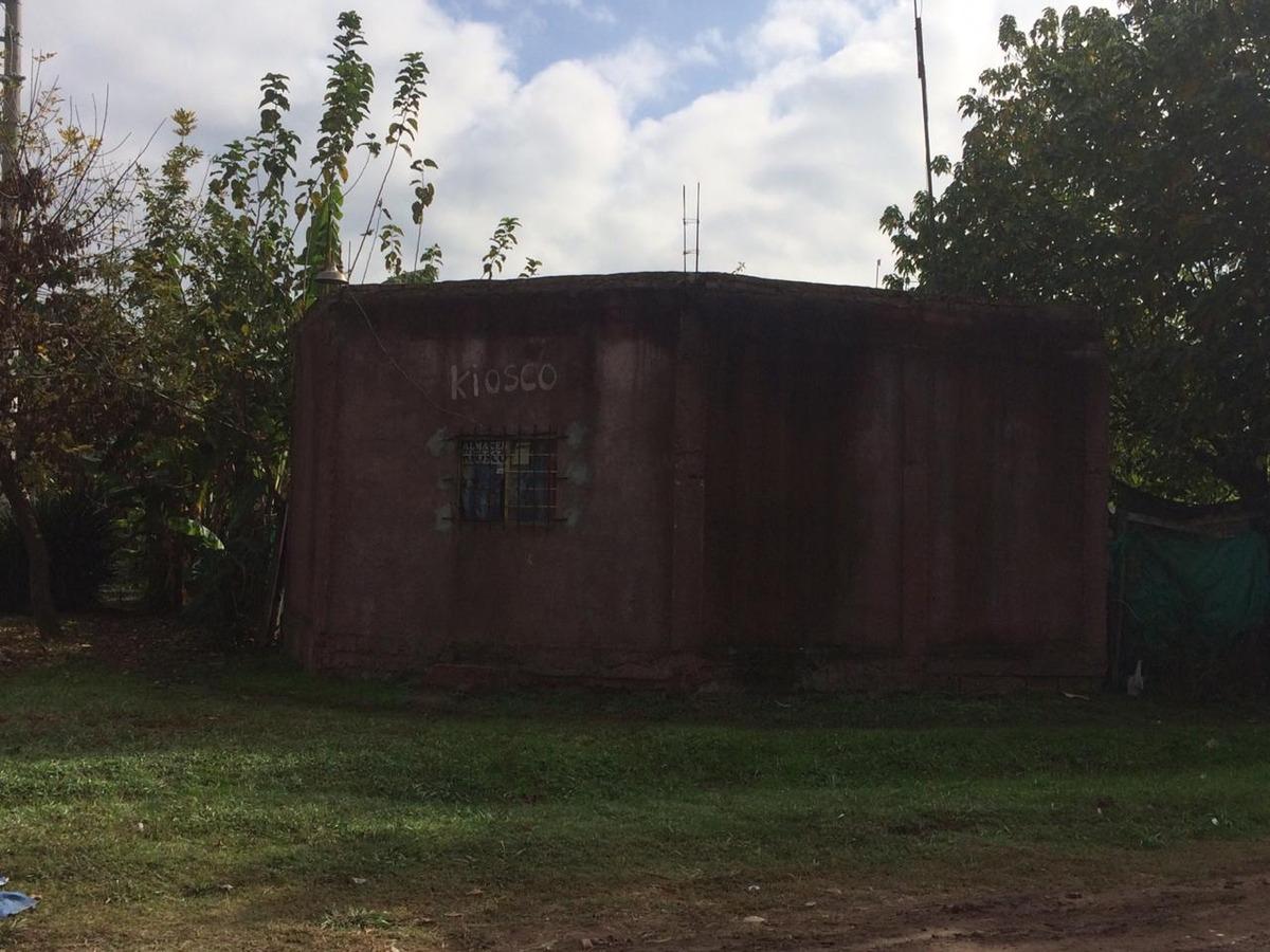 casa en pesos con local en esquina