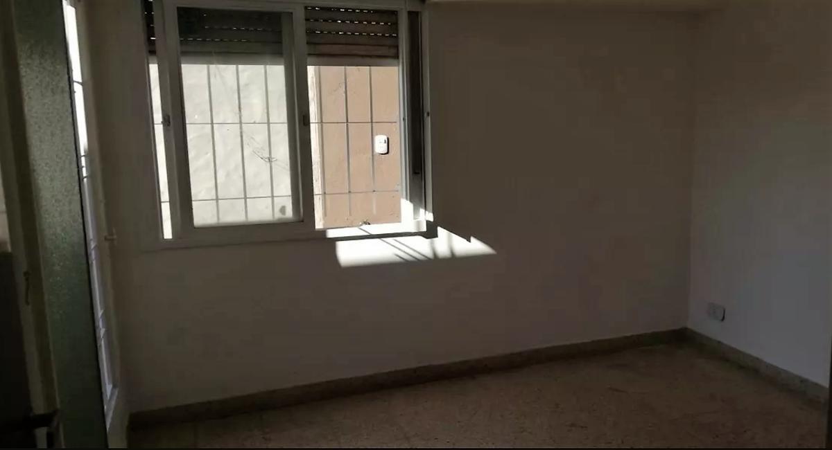 casa en ph 2 dorm y cochera-apta banco   - villa elvira