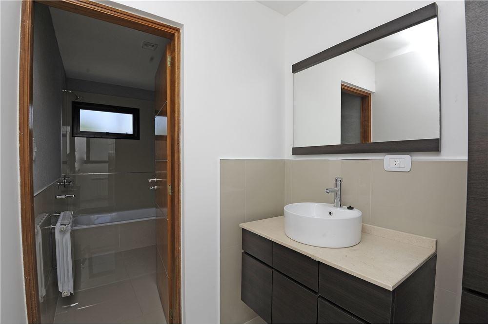casa en ph de tres dormitorios en venta