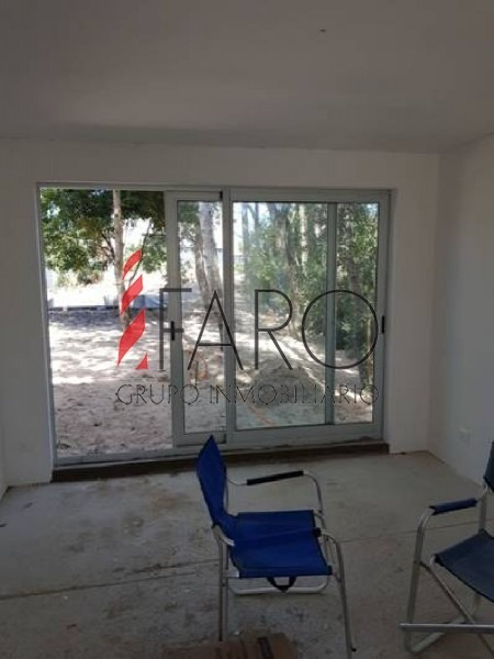 casa en ph en las grutas a estrenar 4 dormitorios, piscina y parrillero-ref:36075
