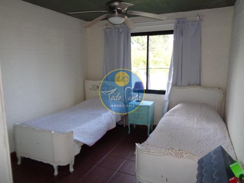 casa en pinares, 2 dormitorios *- ref: 4920
