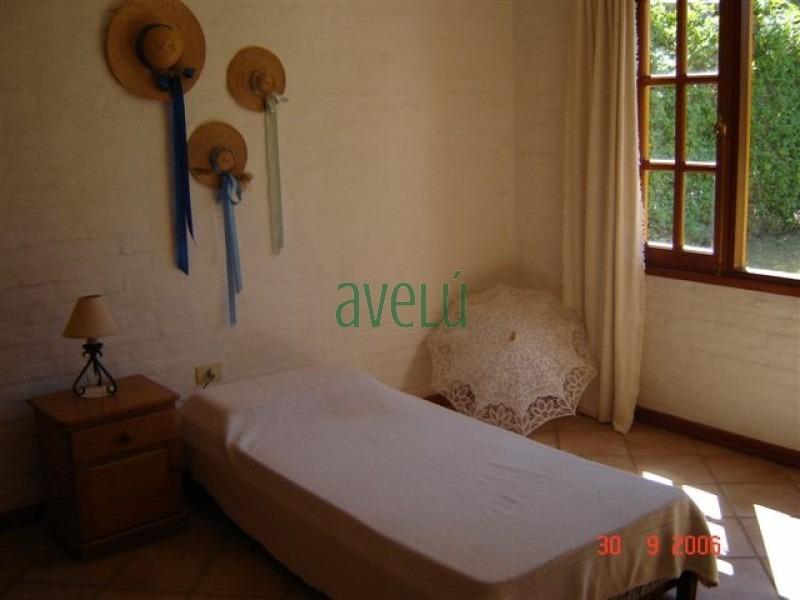 casa en pinares, 3 dormitorios *- ref: 221