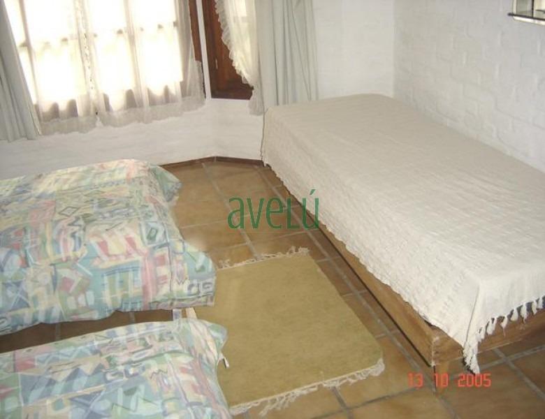 casa en pinares, 3 dormitorios *- ref: 326