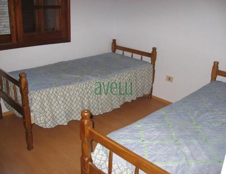 casa en pinares, 3 dormitorios *- ref: 340