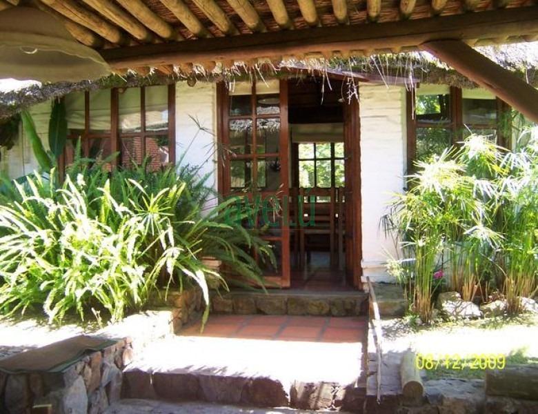 casa en pinares, 3 dormitorios *- ref: 742