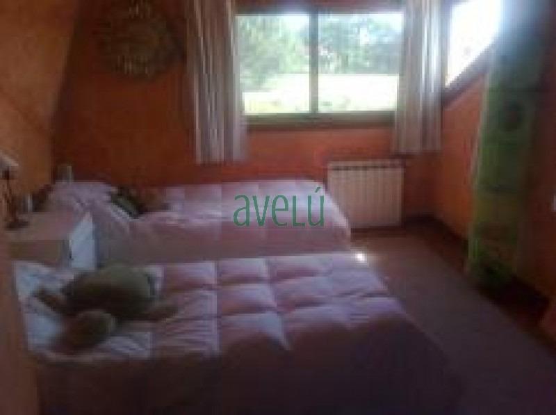 casa en pinares, 4 dormitorios *- ref: 686