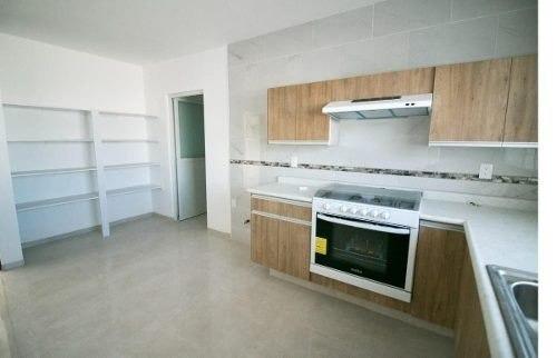 casa en privada de 2plantas 3recamaras 2.5baños de 153 mts2