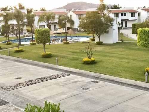 casa en privada en paraíso country club / emiliano zapata - cal-198-cr
