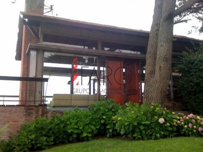 casa en punta ballena 4 dormitorios con piscina y parrillero-ref:36893