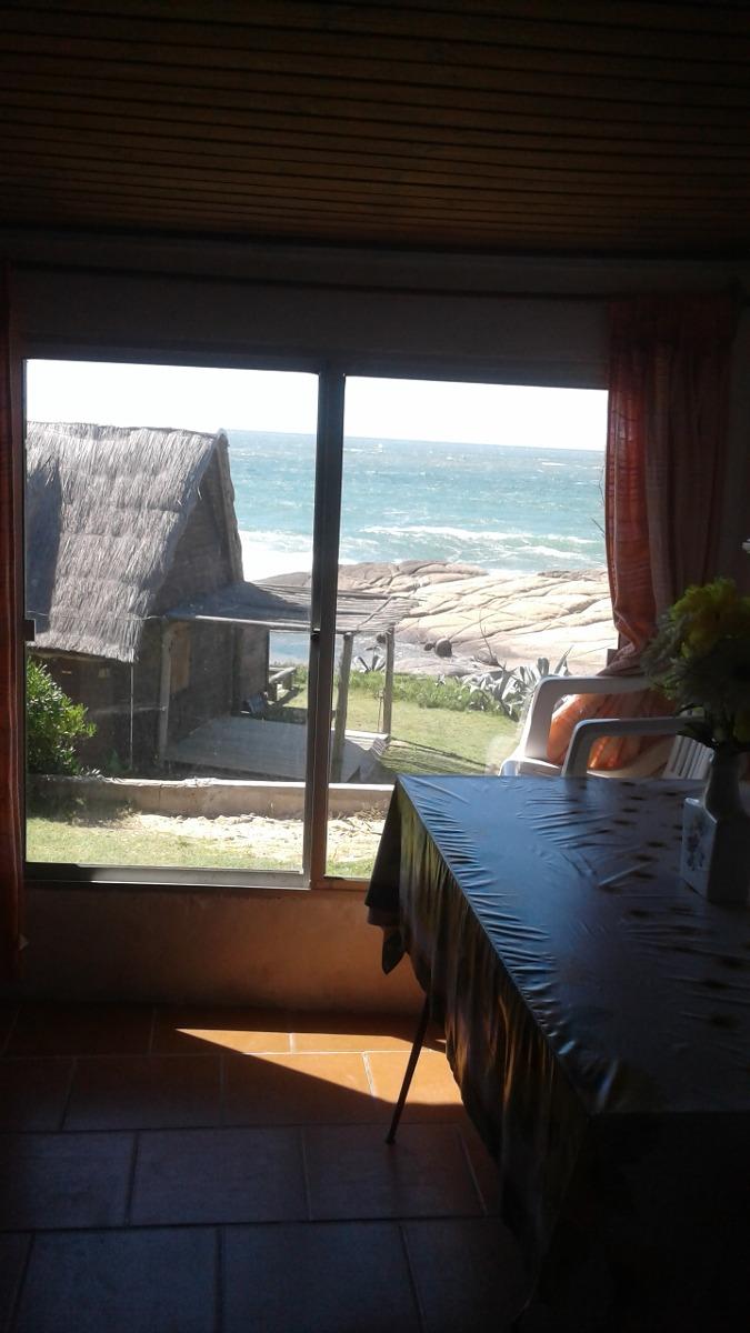 casa en punta del diablo frente al mar