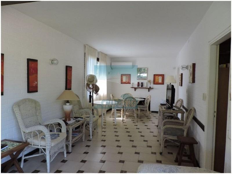 casa en punta del este, mansa | crucero real estate ref:5060- ref: 5060