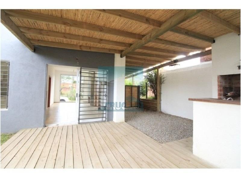 casa en punta del este, pinares | crucero real estate ref:5066- ref: 5066