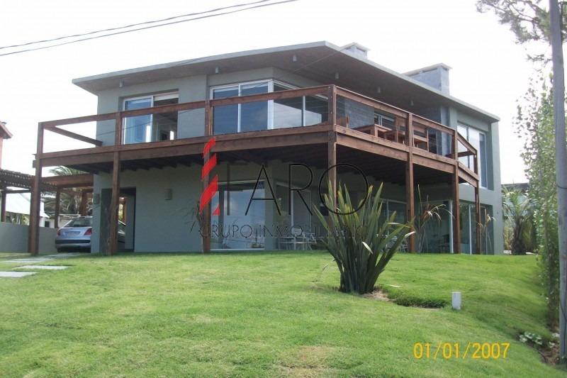 casa en punta piedras 5 dorm piscina parrillero-ref:34384