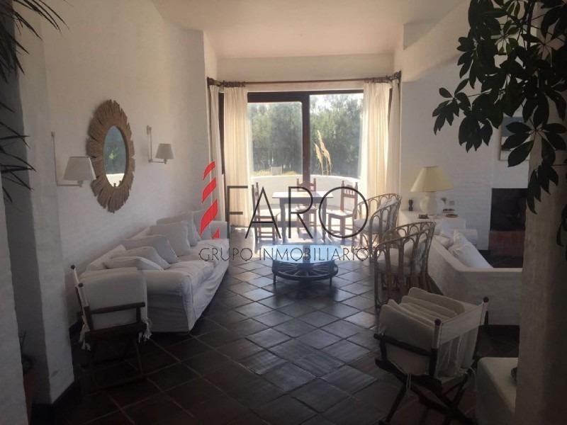 casa en punta piedras 5 dormitorios con piscina, cancha de tenis y parrillero-ref:36027