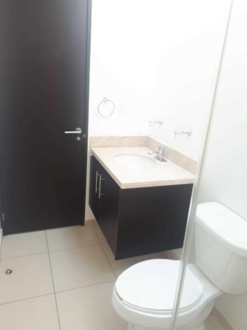casa en renta 3 recamaras 2.5 baños, en el mirador