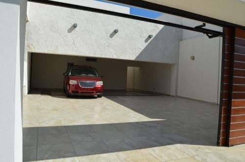 casa en renta 5 rec alberca propia garage 6 autos p2282