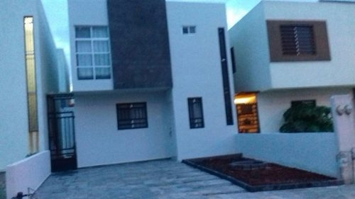 casa en renta amueblada en residencial valle azul apodaca