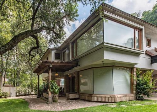 casa en renta bellísima  moderna con seguridad