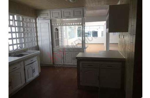 casa en renta cerca de plaza cristal, ideal para oficinas, o escuela