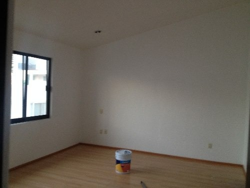 casa en renta con espacios amplios en claustros de santiago centro sur qro. mex.
