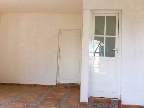 casa en renta con uso de suelo mixto casi sobre av. tollocan