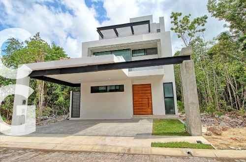 casa en renta en cancun en residencial aqua con alberca y 3r