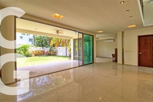 casa en renta en cancun en residencial villa magna sin mueb