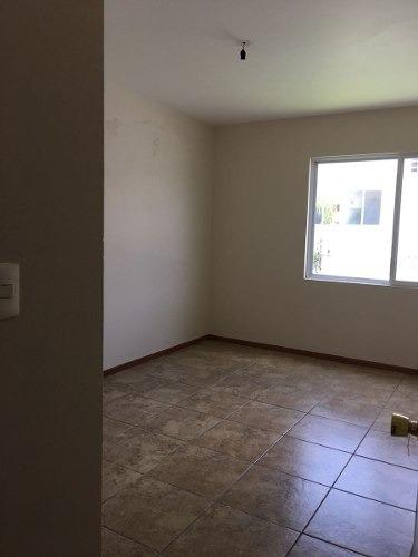 casa en renta en condominio en juriquilla