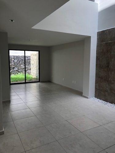 casa en renta en condominio soneto,zibata