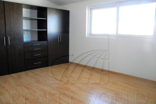 casa en renta en exclusiva zona metepec 47-cr-931