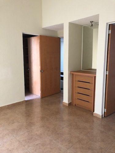 casa en renta en gran puerta paraiso