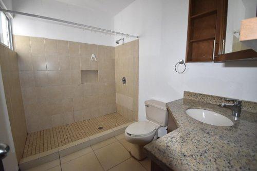 casa en renta en la rioja privada residencial -  zona sur y carretera nacional (aa)