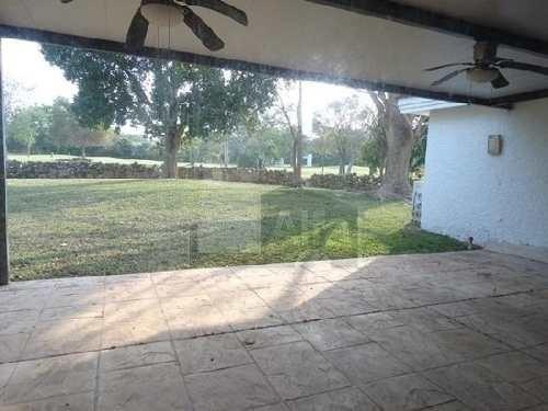 casa  en renta en merida en club de golf la ceiba con vista al campo