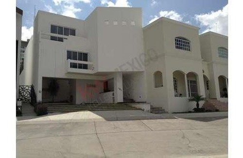 casa en renta en privada residencial miravalle