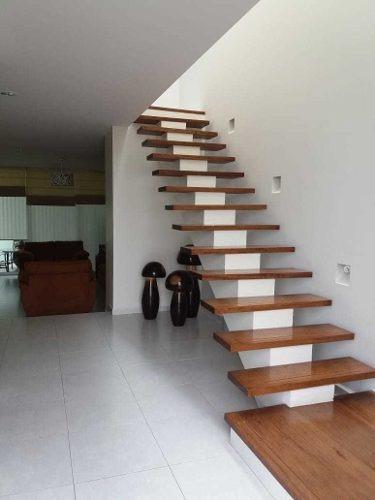 casa en renta en privada verona