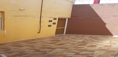 casa en renta en pueblito colonial super amplia en esquina