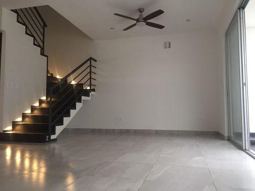 casa en renta en residencial arbolada