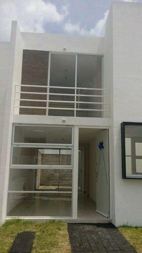 casa en renta en residencial la vida  con recamara en planta baja