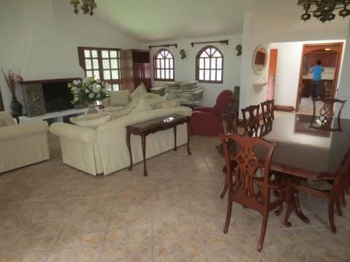 casa en renta en sayavedra