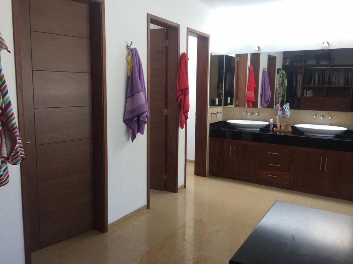 casa en renta en villa antigua 500m2 construcc. 3 recs 6 baños