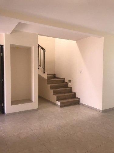 casa en renta en villa de pozos, catâra residencial 3 recs, 3.5 baños, jardin
