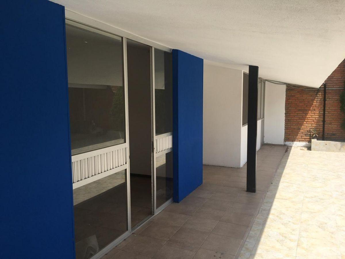 casa en renta para oficinas rumbo de tequis a 30m de nicolas zapata s.l.p.