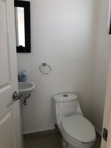 casa en renta privada con alberca zibata queretaro